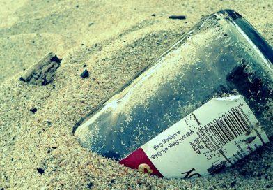 Piden eliminar envases de vidrio para proteger las playas